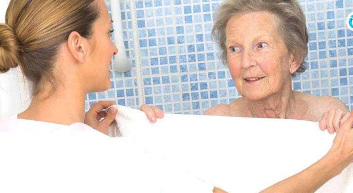 alzheimer hastası banyo yapmak istemiyor