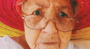 yaşlılıkta fiziksel ve psikolojik değişimler